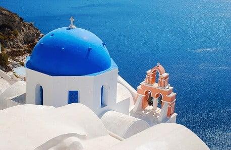 Niebiesko-biała kraina odkrywa przed nami tajęmnicę swoich wnętrz