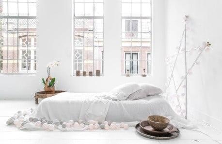 Komfortowe łóżka Stella Cadente wzimowej aranżacji