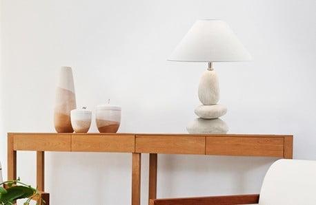 Lampy wiszące, sufitowe, stołowe oraz kinkiety