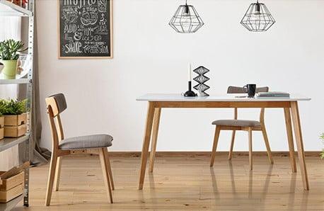Łóżka, komody, krzesła i inne dodatki