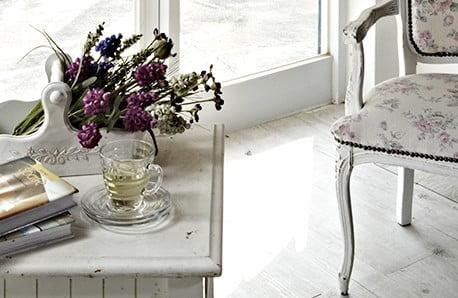 Drewniane meble i dekoracje