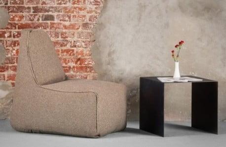 Dowcipne, kolorowe imiękkie pufy oraz worki do siedzenia marki Sit and Chill