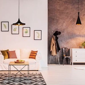 Lampy, kinkiety, koce iobrazy we włoskim stylu