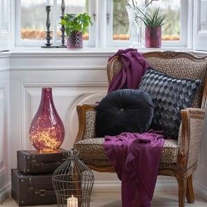 Ciepłe i kolorowe dodatki oraz meble na chłodne dni