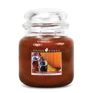 Świeczka zapachowa w szklanym pojemniku Goose Creek Aromatyczna bułeczka z dyni, 0,45 kg