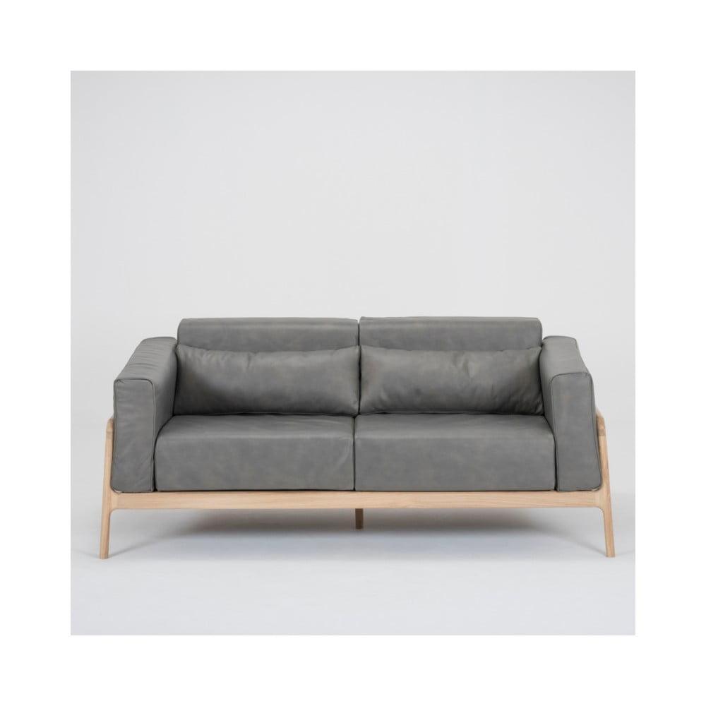 Ciemnoszara sofa z bawolej skóry z konstrukcją z litego drewna dębowego Gazzda Fawn, 180 cm