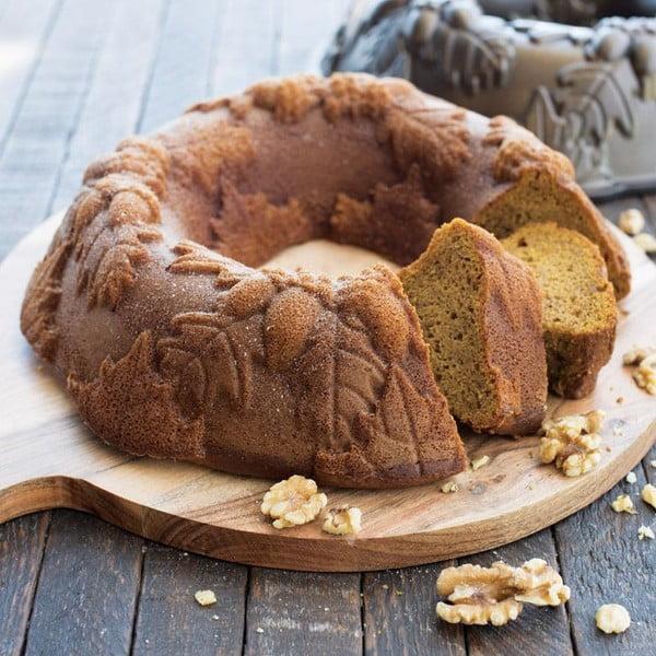 Forma do pieczenia z motywem liści i żołędzi Nordic Ware