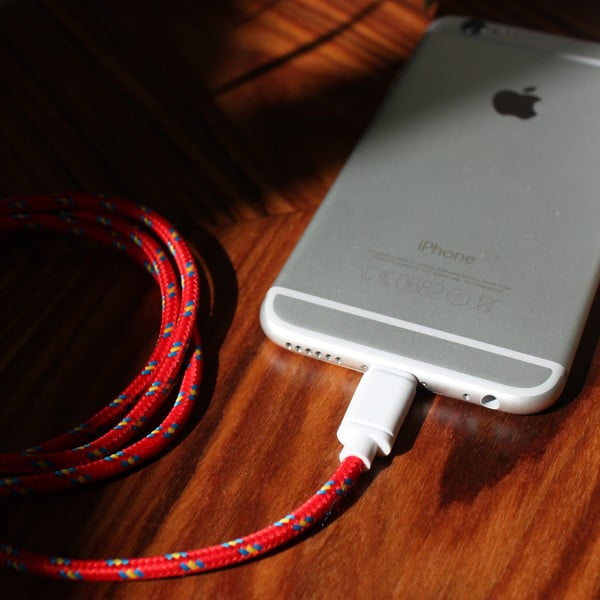 Kabel do ładowania Lightning dla iPhone 5 i iPhone 6 Red Royal, 1,5 m
