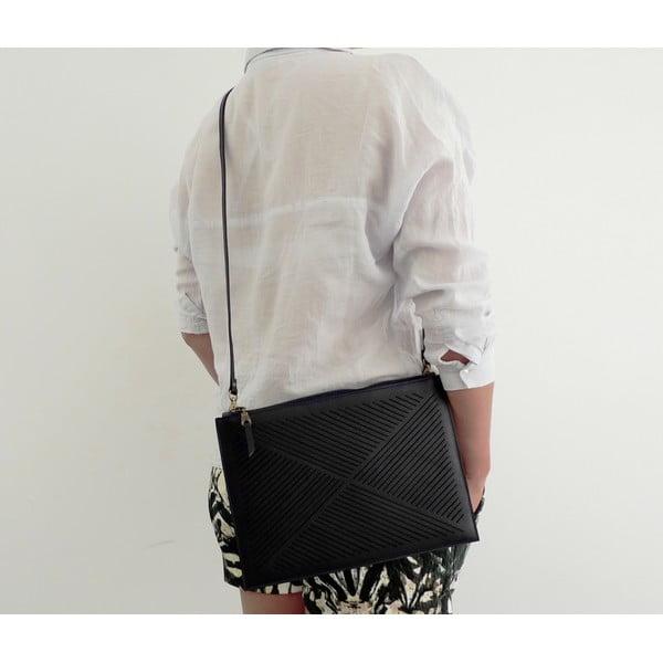 Skórzana torebka na ramię/kopertówka Cut Out, czarna