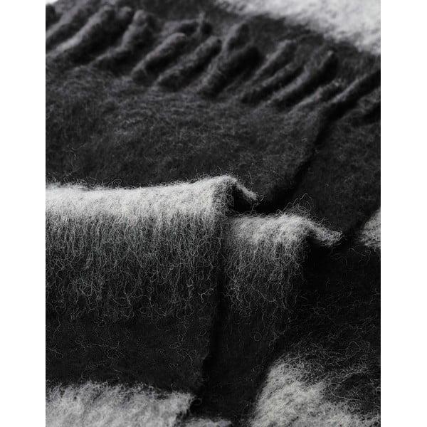 Czarny pled Marc O'Polo Stripe, 130x170 cm