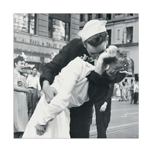 Obraz Alfred Eisenstaedt - V-J Day in Times Square, 26x26 cm