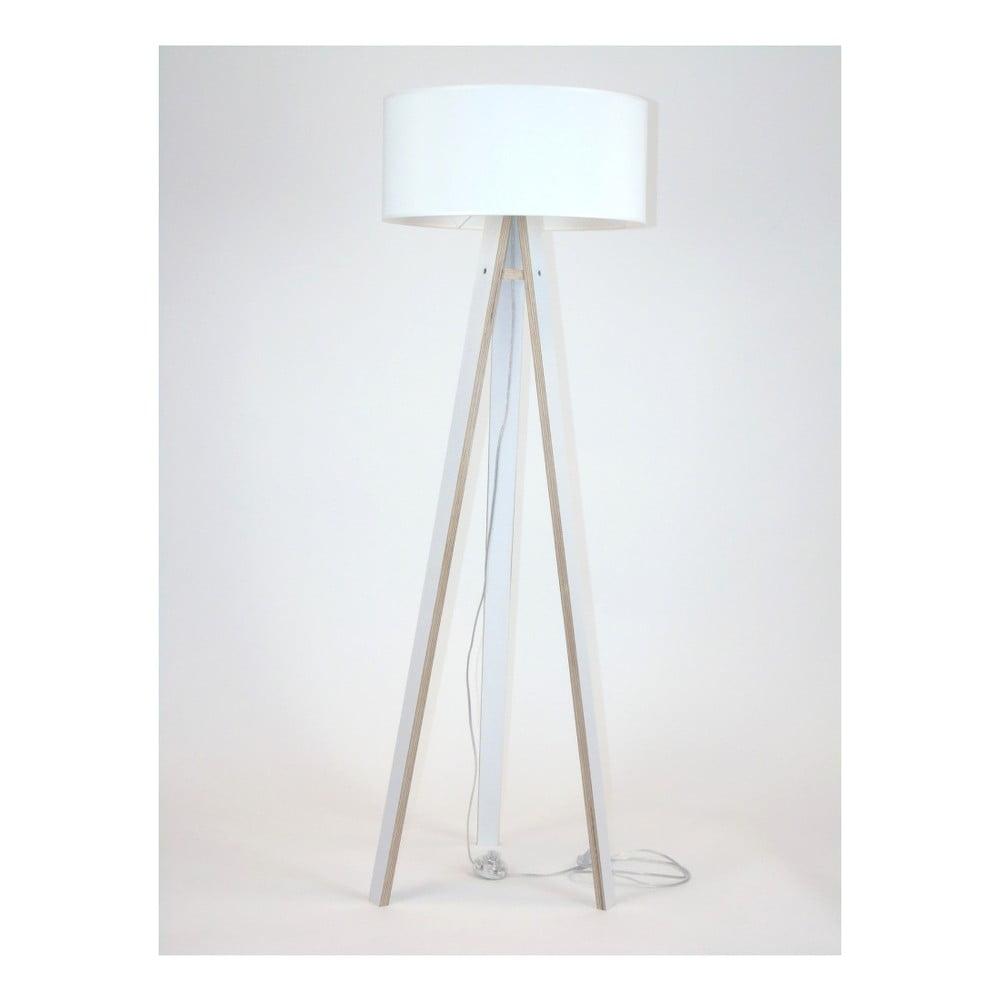 Biała lampa stojąca z białym abażurem i prezroczystym kablem Ragaba Wanda