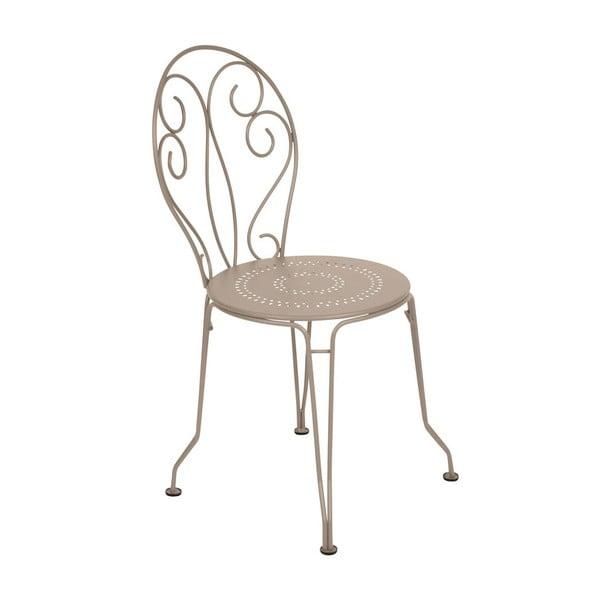 Jasnobeżowe krzesło metalowe Fermob Montmartre