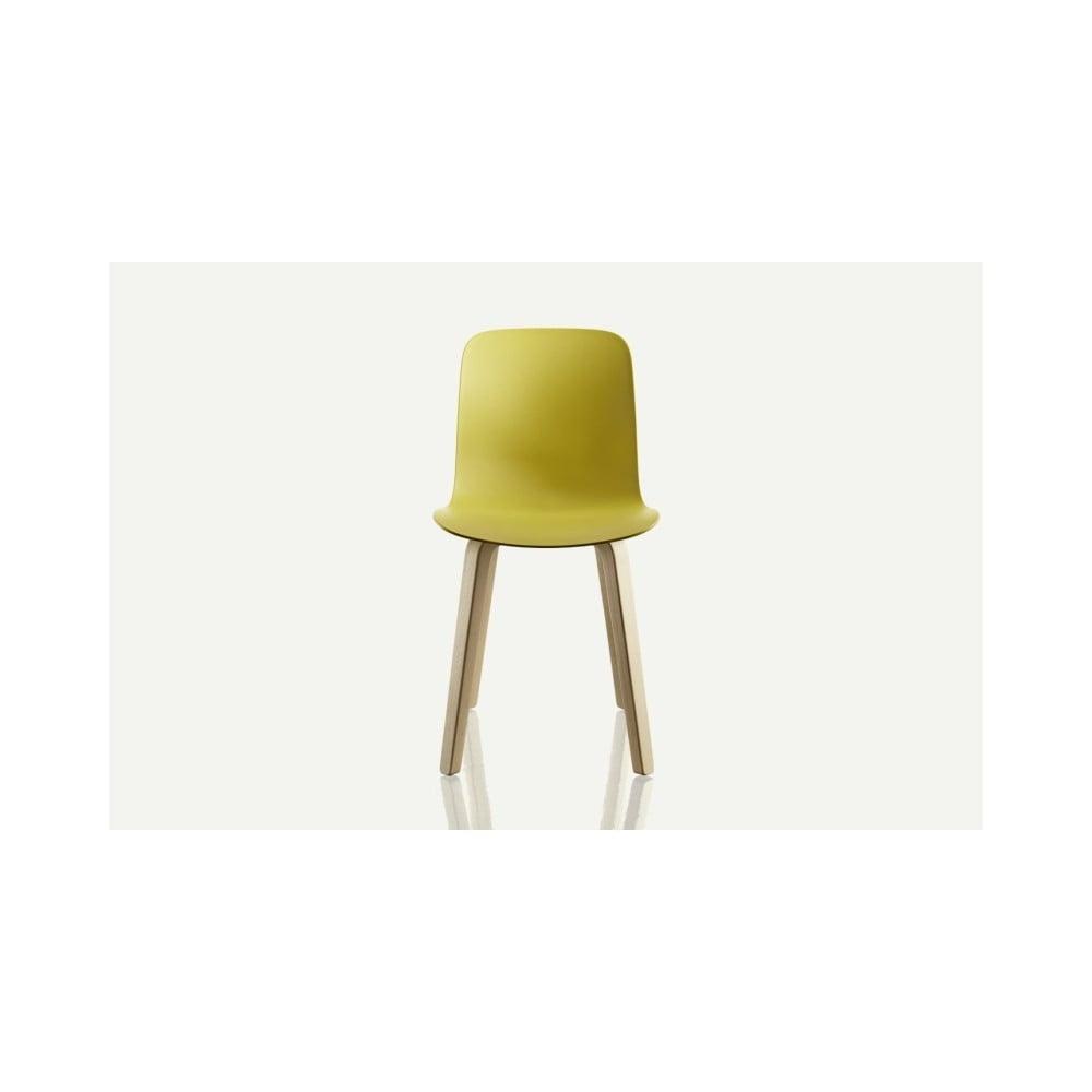 Żółte krzesło z nogami z drewna jesionu Magis Substance
