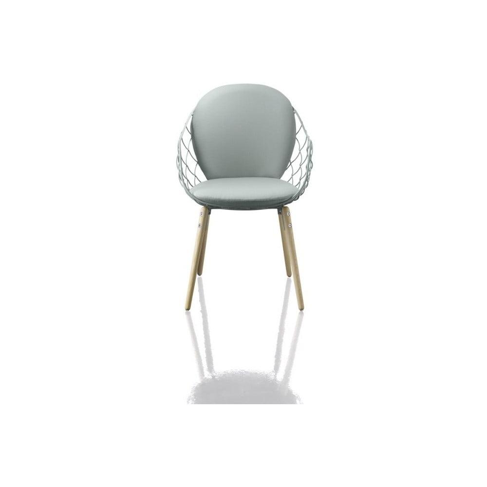 Biały fotel z konstrukcją z drewna jesionu Magis Piña