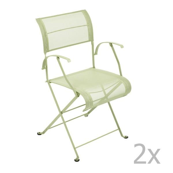 Zestaw 2 jasnozielonych krzeseł składanych z podłokietnikami Fermob Dune