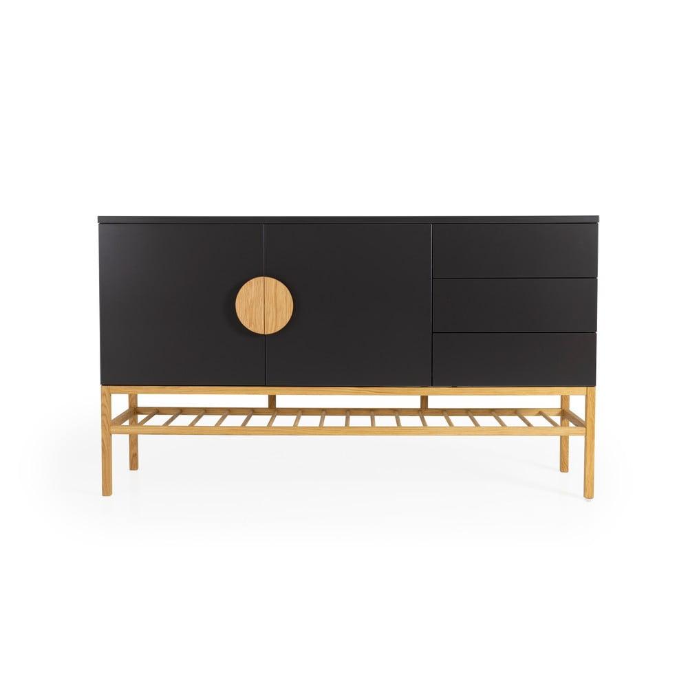 Czarna 2-drzwiowa komoda z 3 szufladami i nogami z drewna dębowego Tento Scoop, szer. 176 cm