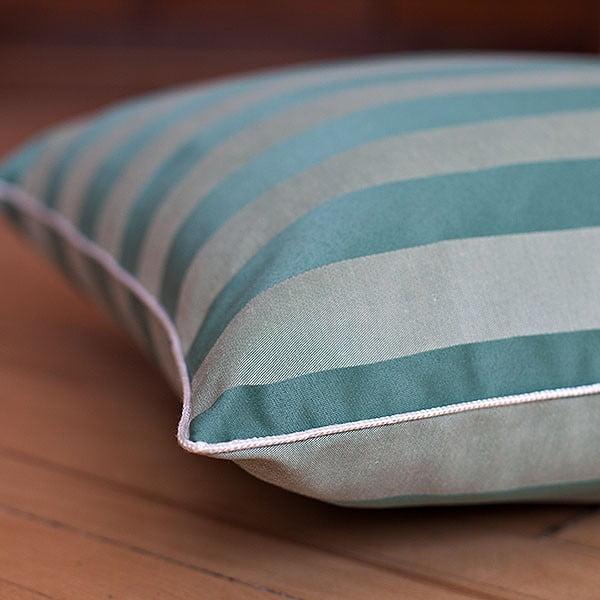 Poduszka z wypełnieniem Dark Green Big Stripes, 50x50 cm