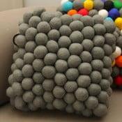Ręcznie wykonana kulkowa poduszka Cells