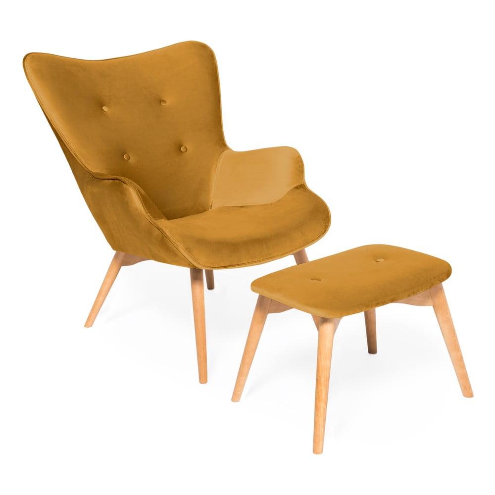 Musztardowy fotel z podnóżkiem i nogami w naturalnej barwie Vivonita Cora Velvet