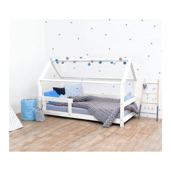 Białe łóżko dziecięce z bokami z naturalnego drewna świerkowego Benlemi Tery, 90x160 cm