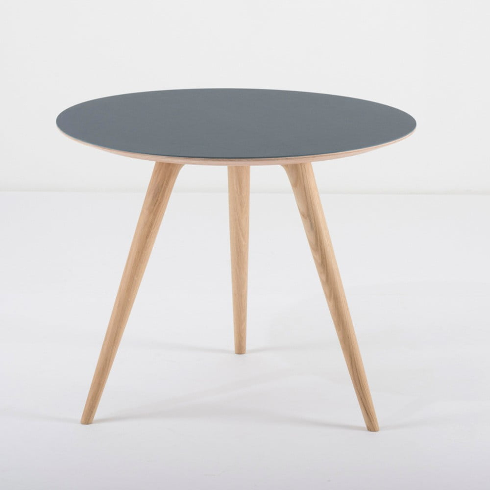 Dębowy stolik z niebieskim blatem Gazzda Arp, ⌀55cm