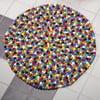 Ręcznie wykonany kulkowy dywan Happy Pills