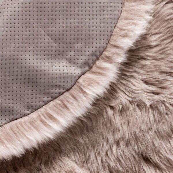 Jasnobrązowy dywan okrągły z owczej skóry Royal Dream Zealand