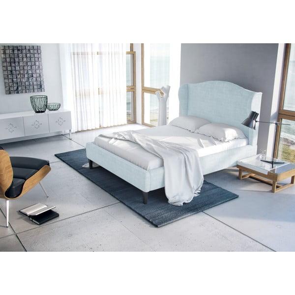 Pastelowo niebieskie łóżko z naturalnymi nóżkami Vivonita Windsor 180x200 cm
