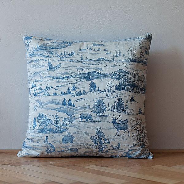 Poduszka z wypełnieniem Light Blue Forest, 50x50 cm