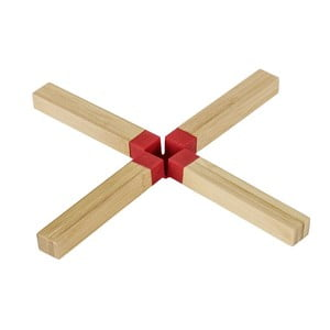 Czerwona podkładka pod garnek z bambusa Wenko Cross