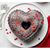 Forma do babki w kształcie serca w srebrnej barwie Nordic Ware Heart, 2,8 l