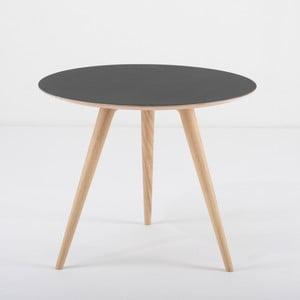 Dębowy stolik z czarnym blatem Gazzda Arp, Ø55cm
