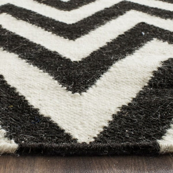 Czarny dywan wełniany Safavieh Nelli, 76x182 cm