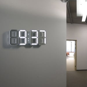 Biały zegar LED - Vadim Kibardin