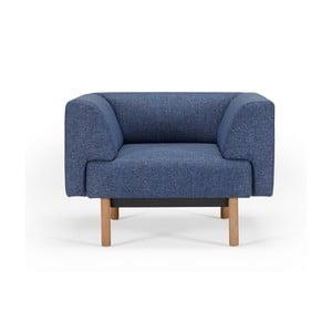 Niebieski fotel Kragelund Ebeltoft