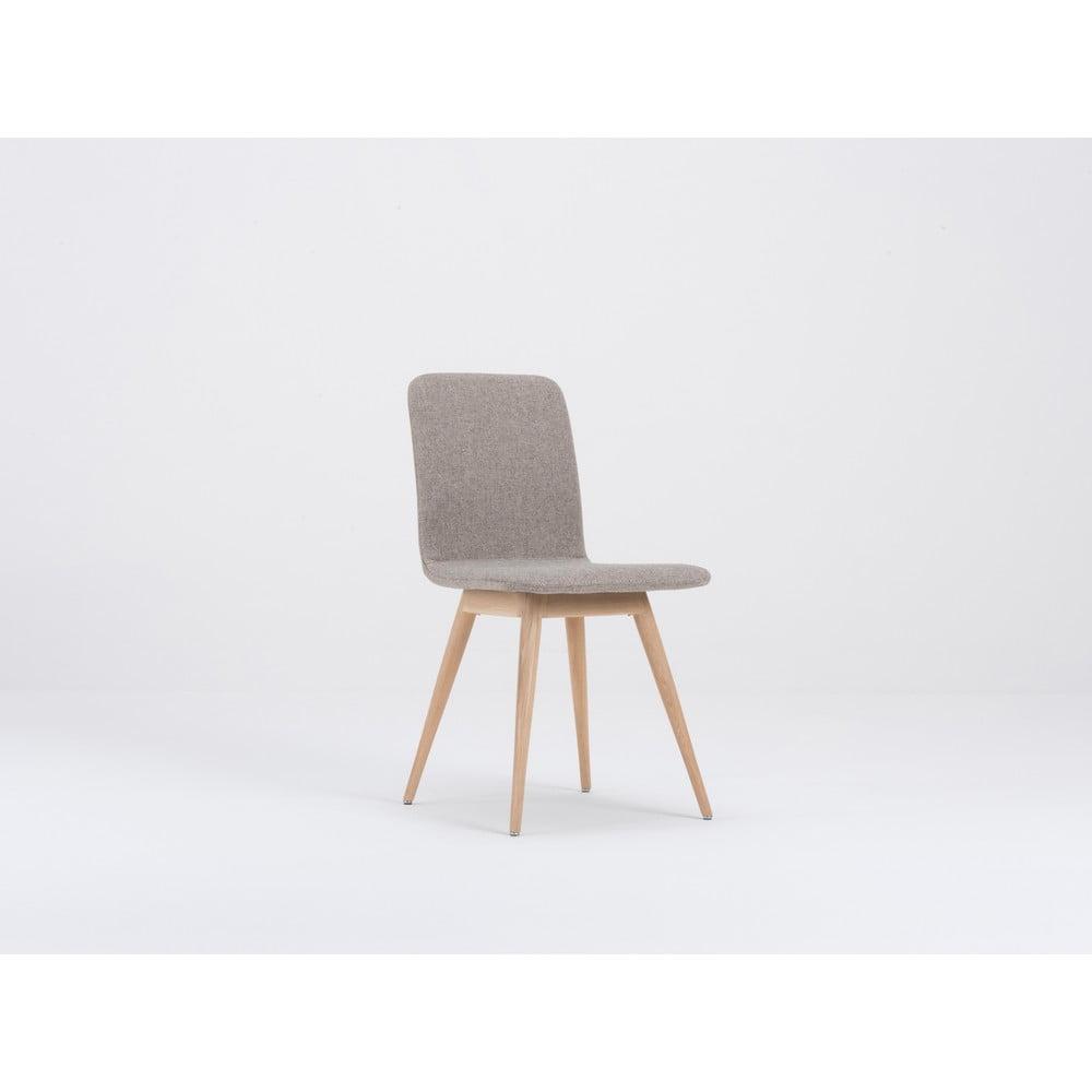 Beżowe krzesło do jadalni z dębową konstrukcją Gazzda Ena