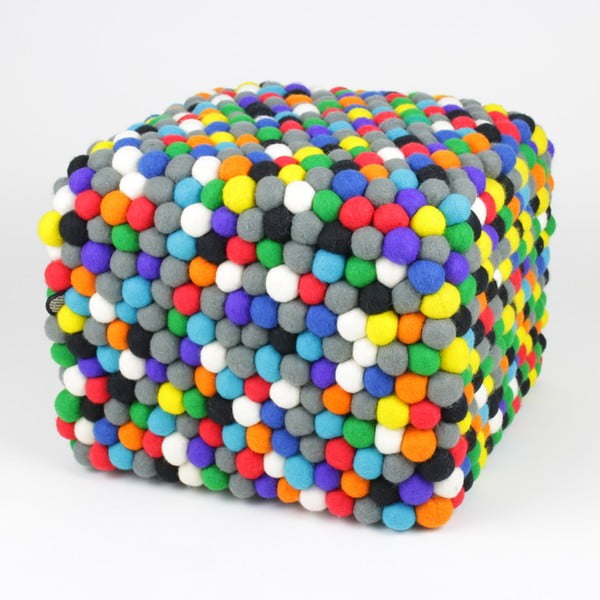 Ręcznie wykonany kulkowy puf Happy Pills, kwadratowy