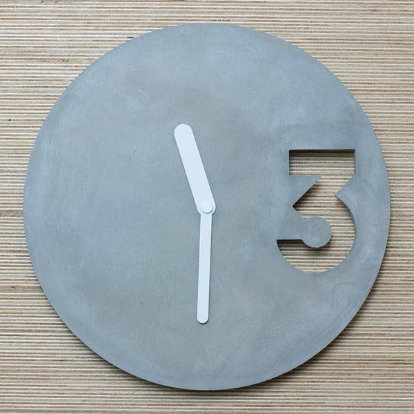 Betonowy zegar Jakuba Velínskiego, pełne białe wskazówki