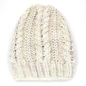 Kremowa czapka damska Amelia
