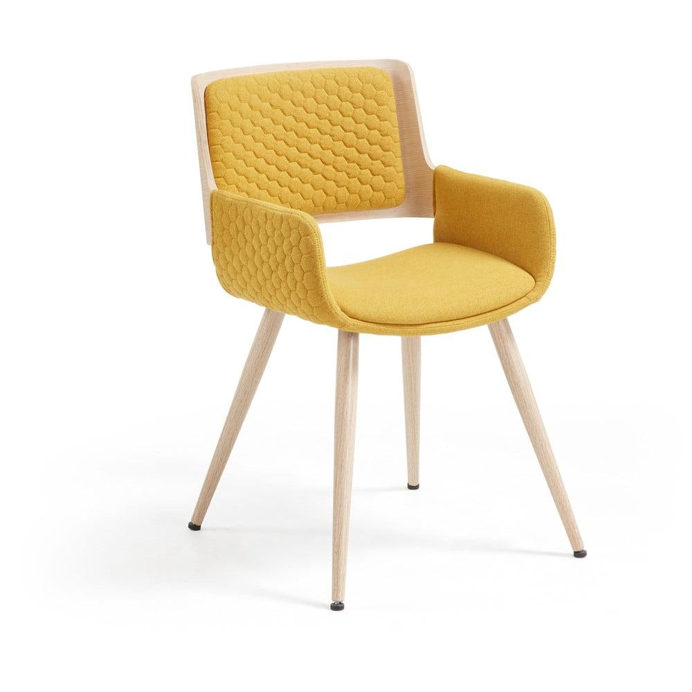 Musztardowe krzesło z metalowymi nogami i podłokietnikami La Forma Andre