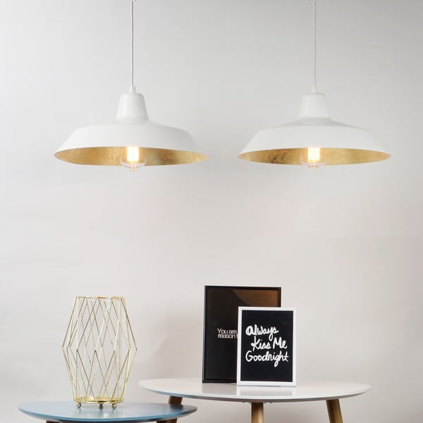 Lampa wisząca z 2 białymi kablami i kloszami w białym oraz złotym kolorze Bulb Attack Cinco