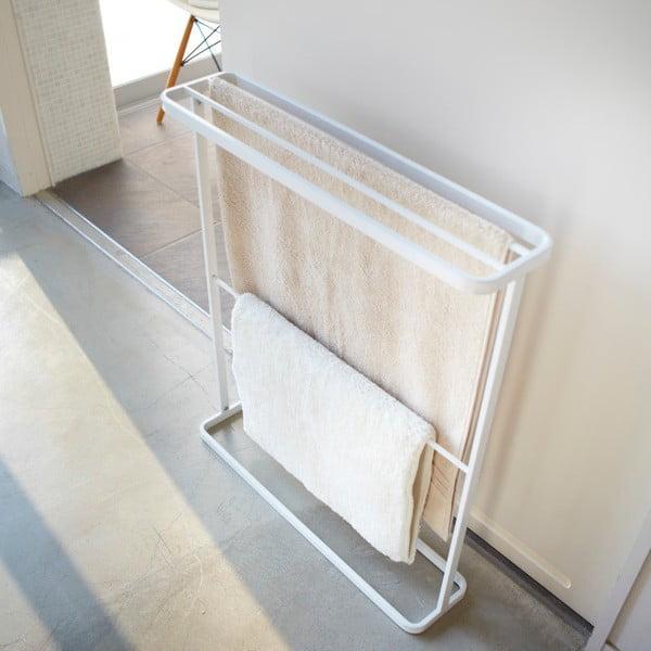 Biały stojak na ręczniki Yamazaki Tower