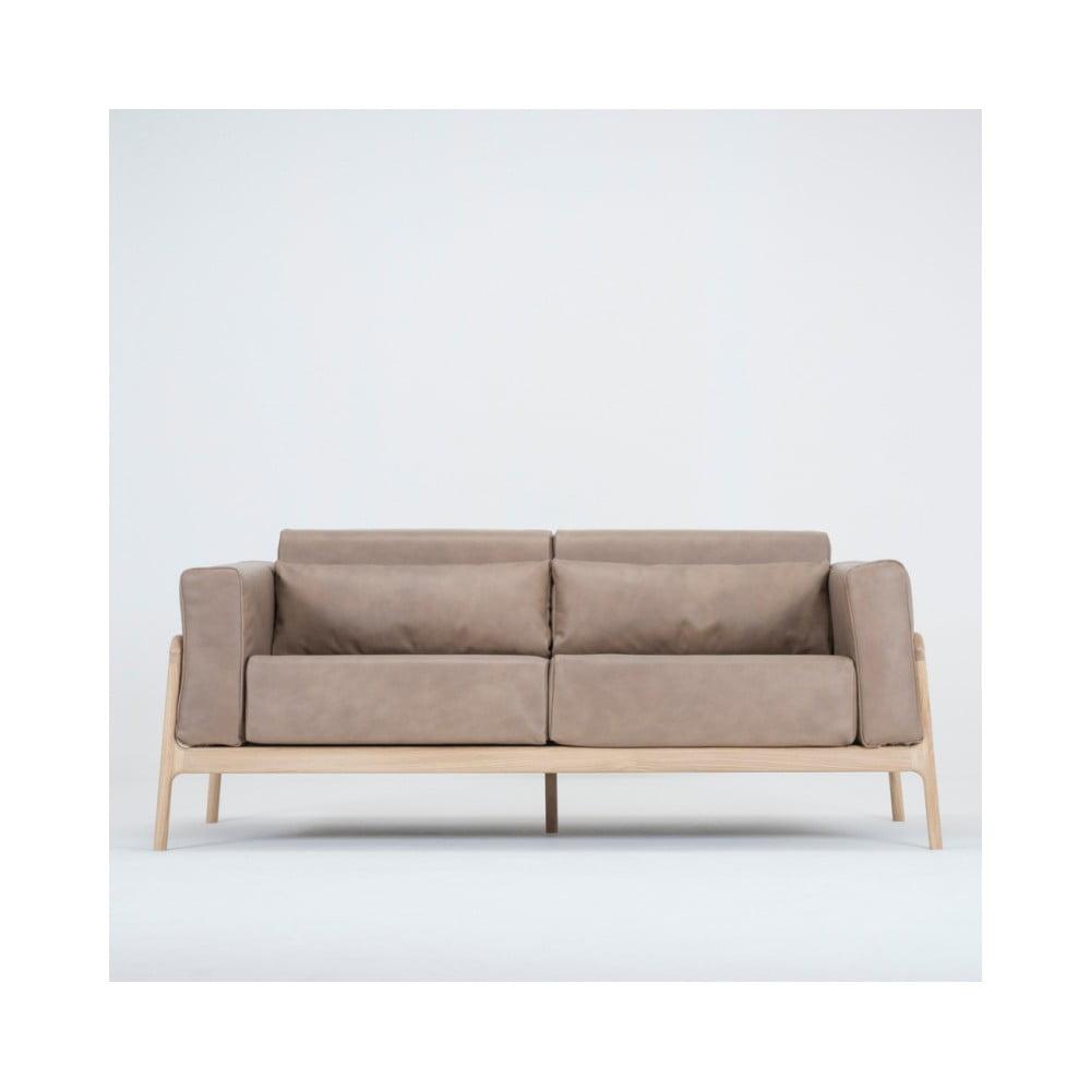 Jasnobrązowa sofa z bawolej skóry z konstrukcją z litego drewna dębowego Gazzda Fawn, 180 cm
