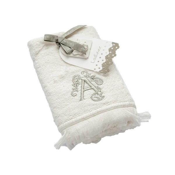 Ręcznik z inicjałem A, 30x50 cm