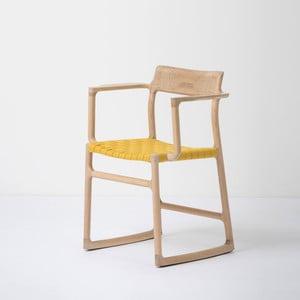 Krzesło z litego drewna dębowego z podłokietnikami i żółtym siedziskiem Gazzda Fawn