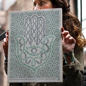 Plakat One Hamsa, 41x30 cm